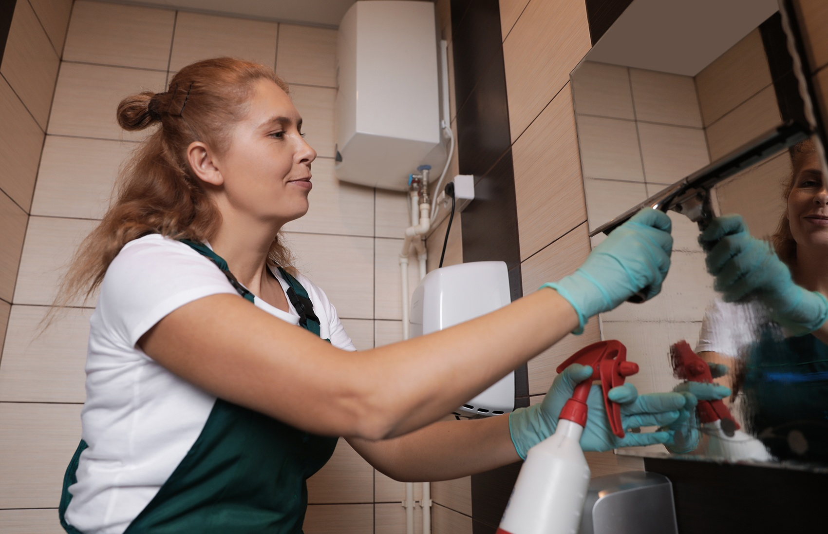 Decca Janitorial Day Porter Services for Thorough Commercial Cleaning, Disinfecting, and Sanitizing