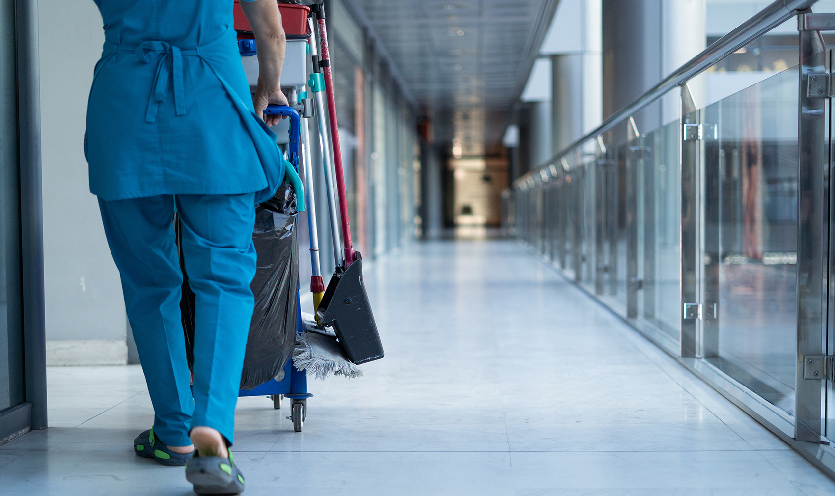 How to Choose the Best Commercial Janitorial Service in GTA for Your Business